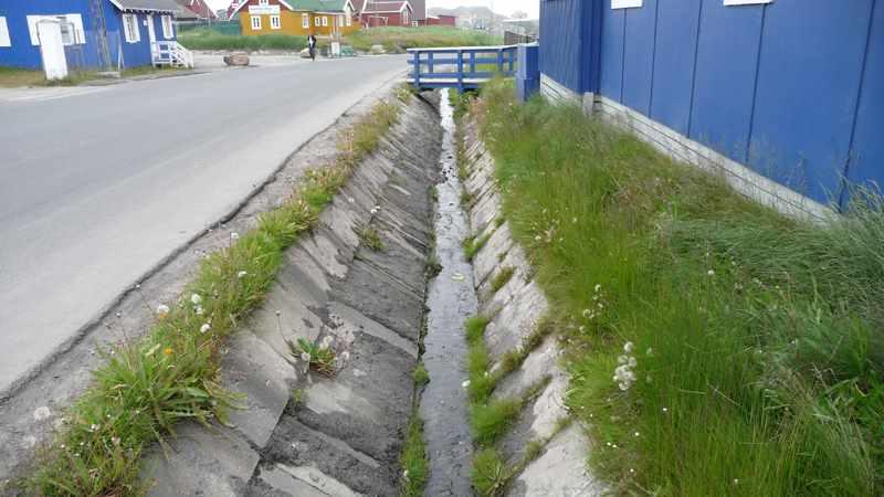 تخلیه آب های سطحی
