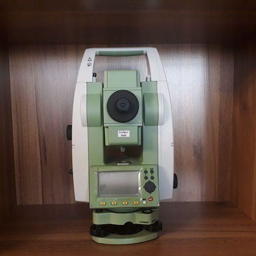 دوربین نقشه برداری لایکا مدل TS02
